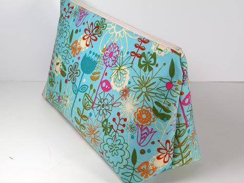 Easy Cosmetics Bag Pattern   Bag pattern free, Free pattern and ...