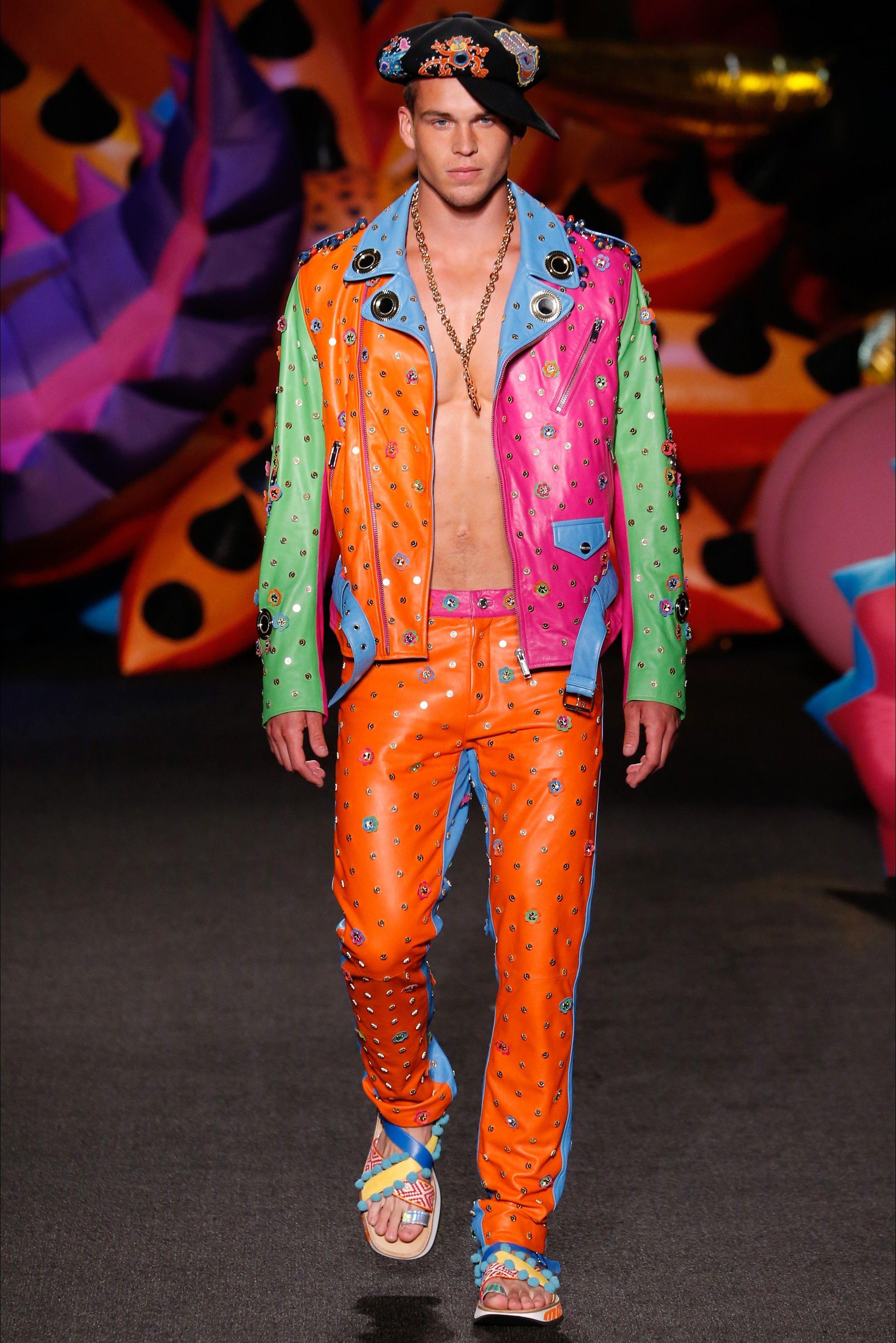 Sfilata Moda Uomo Moschino Los Angeles - Primavera Estate 2017 - Vogue f94176564cc