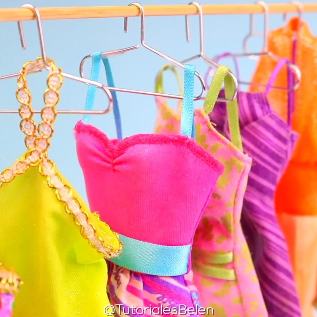 Como hacer perchas para ropa de muñecas Barbies |