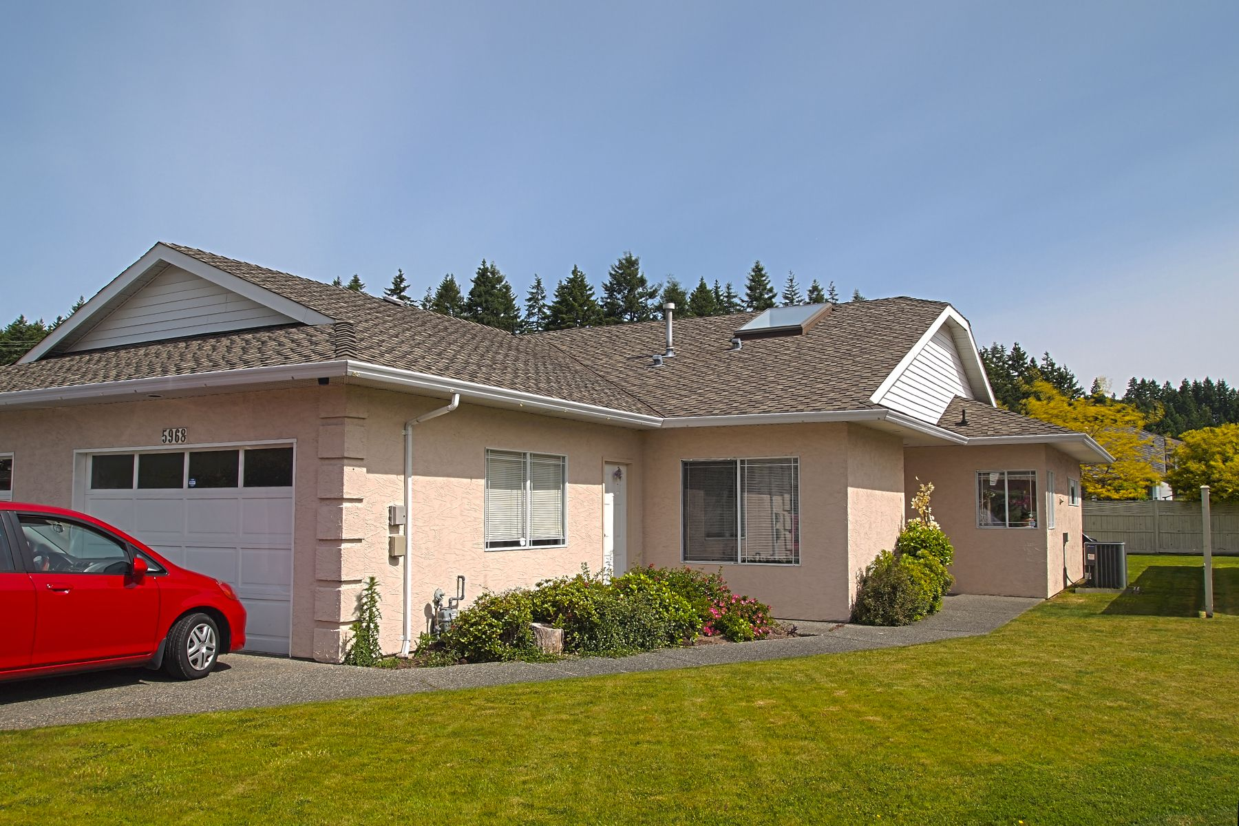 Nanaimo Uplands Patio Homes For Sale