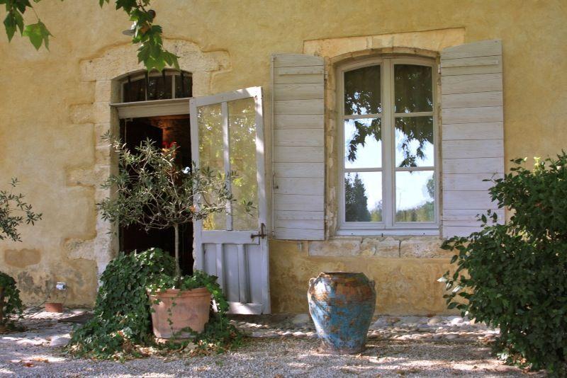 Location vacances manoir chateau st saturnin les avignon double porte d 39 entr e authentique du - Porte saint dominique avignon ...