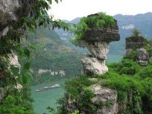 5583038-paysage-de-chine-yangzi-trois-gorges-xiling-gorge