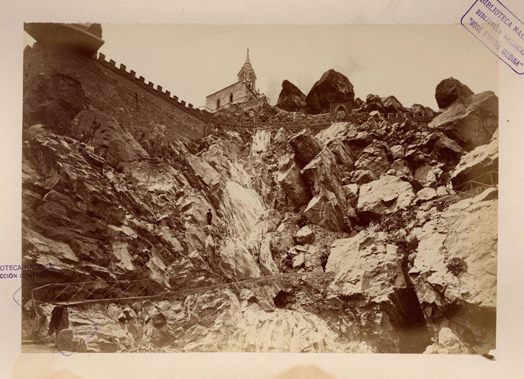 1874, Cerro Santa Lucía, la Gran Cascada