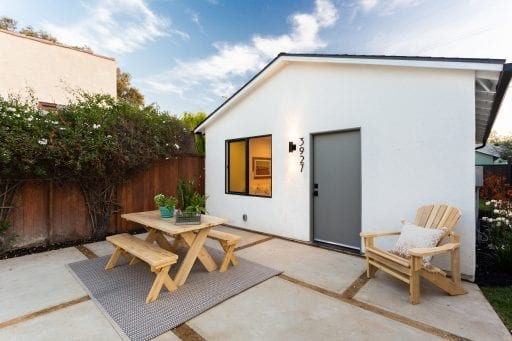 Los Angeles Garage Conversion In 2020 The Affordable Adu Greatbuildz In 2020 Garage Conversion Garage To Living Space Garage Conversion Granny Flat