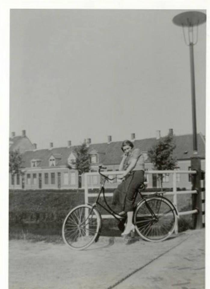 Vierwindenbrug en Chassésingel. 1950 breda