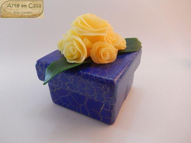 Arte em Casa por Rita Candeu: Caixa Azul com Rosas Amarelas