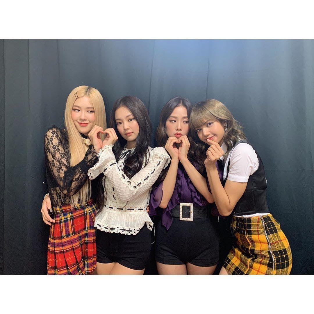 Fake Nerd And Bad Boys School Blackpink Blackpink Jennie Korean Best Friends