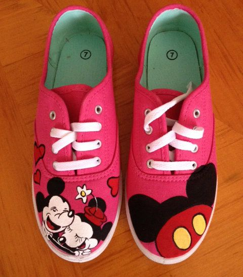c8f93d22132 Mickey and Minnie mouse hand painted shoes!