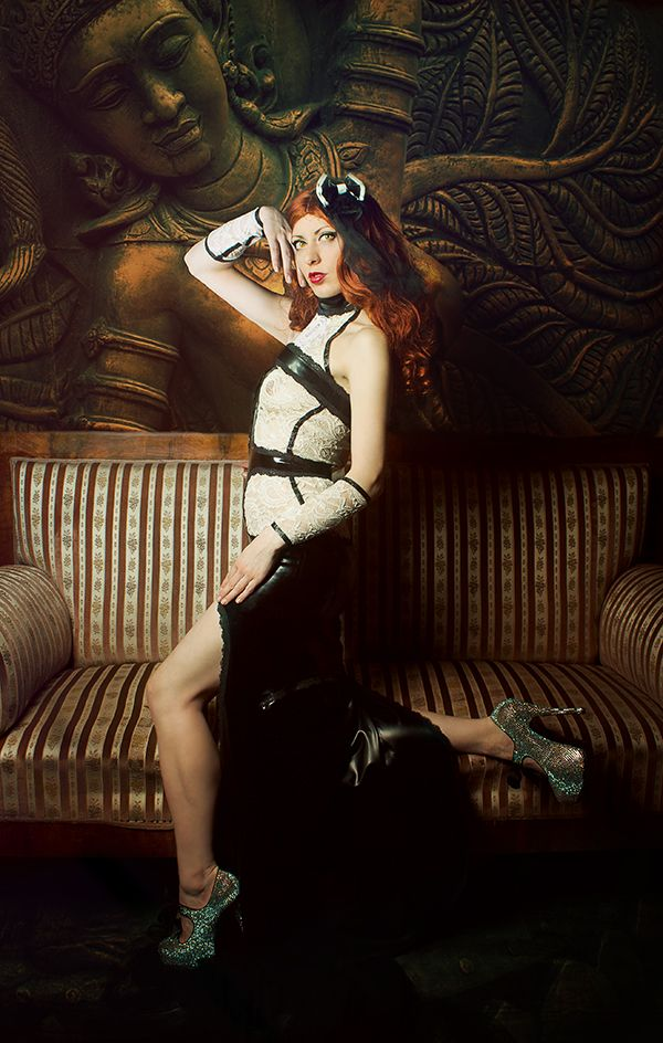 Model&Make-Up: Da Farya (https://www.facebook.com/DaFarya.1?fref=ts) Dress : Lüllepop (https://www.facebook.com/Luellepop.LaTextil.Couture?fref=ts)