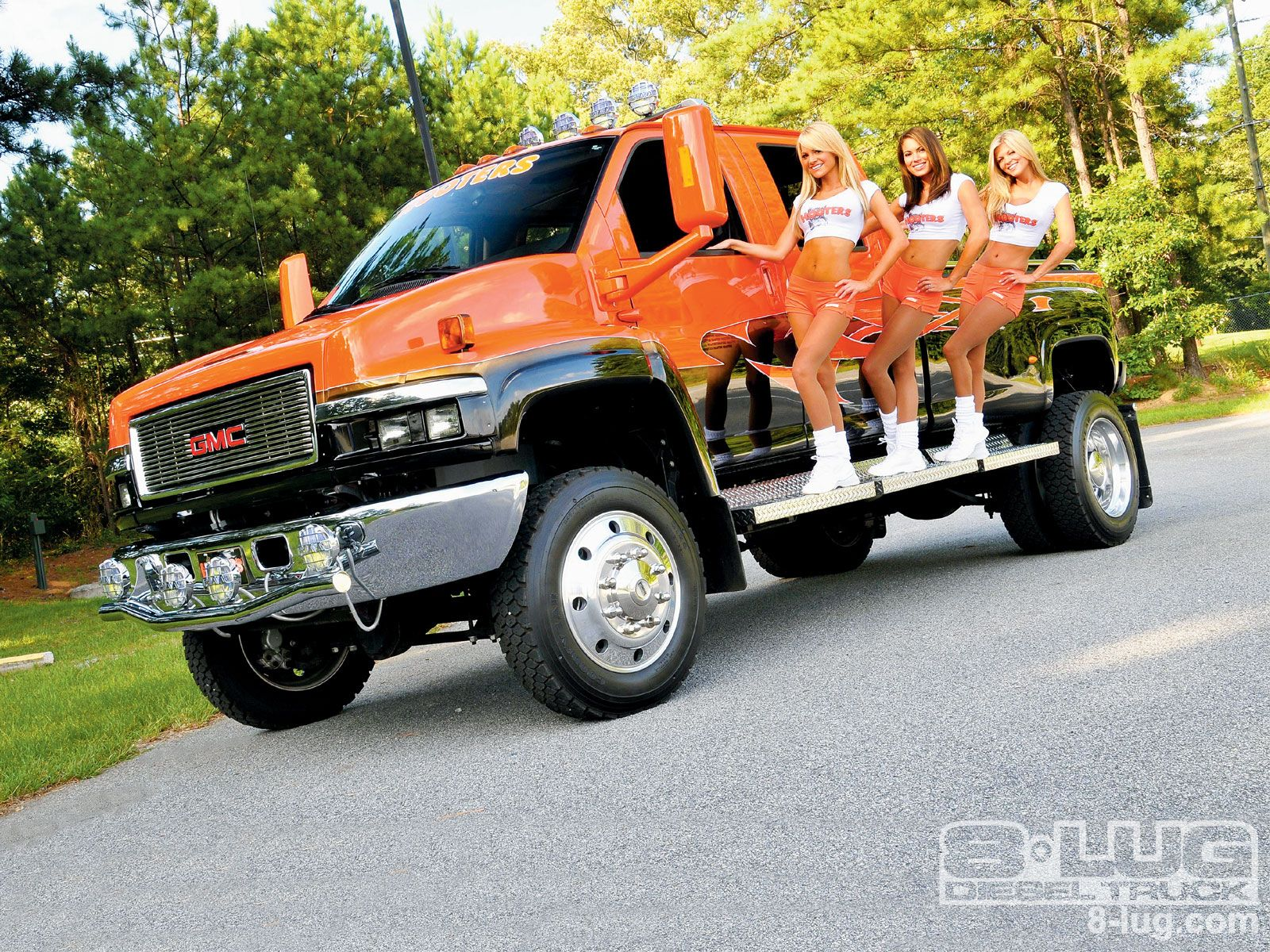 64b2112d77901d05d238c53bcdc50890 gmc topkick 4500 hooters girls off road pinterest vehicle
