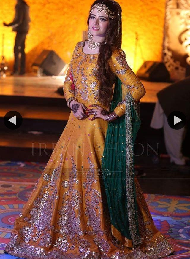 587abcc42e Orange lengha. Orange lengha Ropa Pakistani, Pakistani Mehndi Dress, Bridal  ...