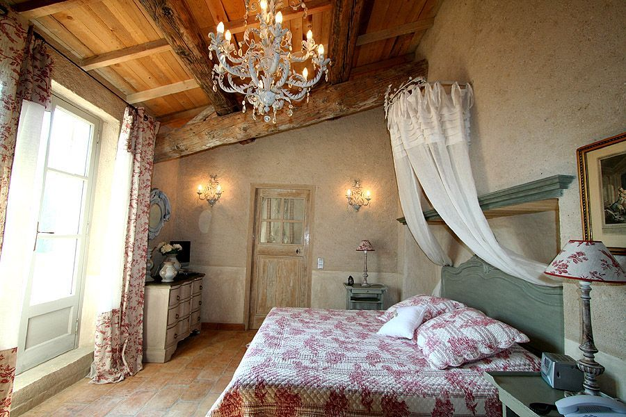 Luxury Stone Country House in Eygalieres... VRBO Comfy