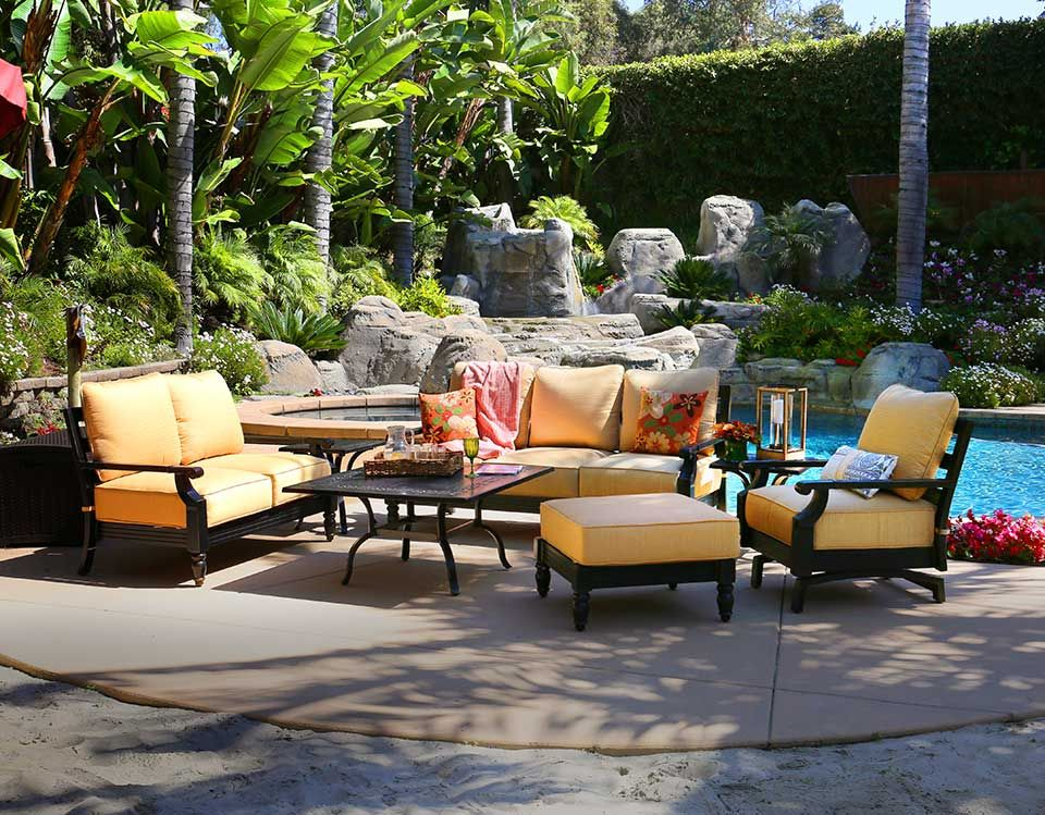 Etonnant Transform Your Deck Or Patio Into An Outdoor Oasis With Our Asheville  Collection | Jeromeu0027s Furniture