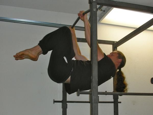 How to Build Up to the Front Lever | Breaking Muscle