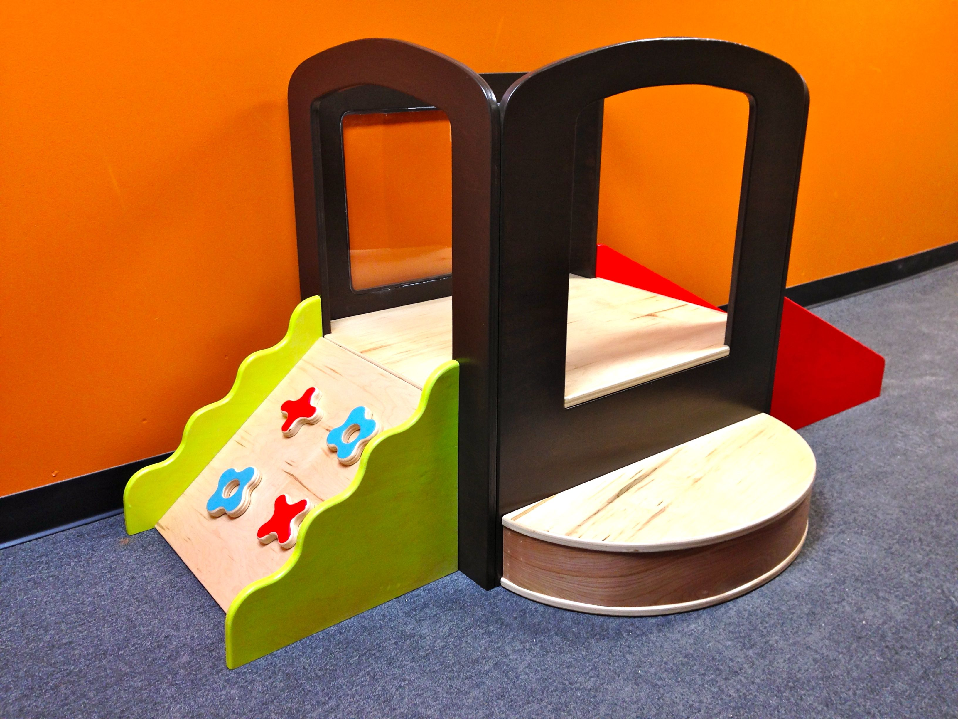 Toddler Climb n Play e side is a mini climbing wall other side