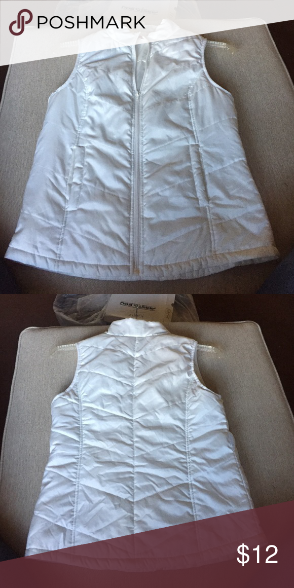 White puffer Vest Good condition, no flaws Jackets & Coats Vests