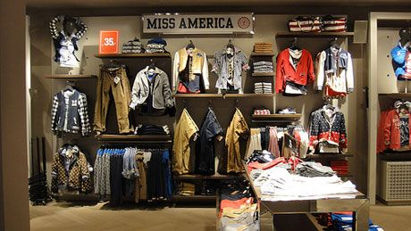 impact of visual merchandising on sales This research represents a contribution to a deeper understanding about the impact of visual merchandising on consumer buying behaviour in shopping centre fashion stores.