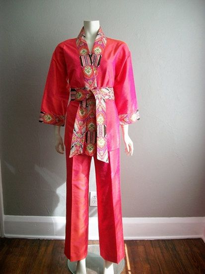 66fb163b00ea65 $84 The silk on this two piece set by Star of Siam for Bergdorf Goodmans is  really amazing Thai silk- it is an iridescent hot pink that changes to  orange ...