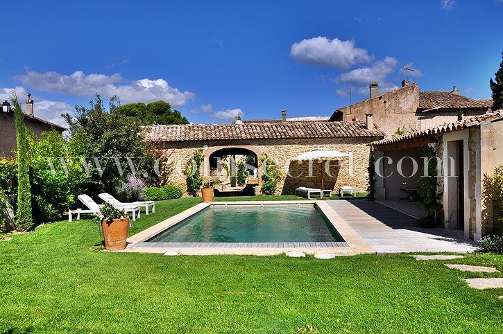 Location du0027un mas avec piscine chauffée pour des vacances à Maubec - location vacances provence avec piscine
