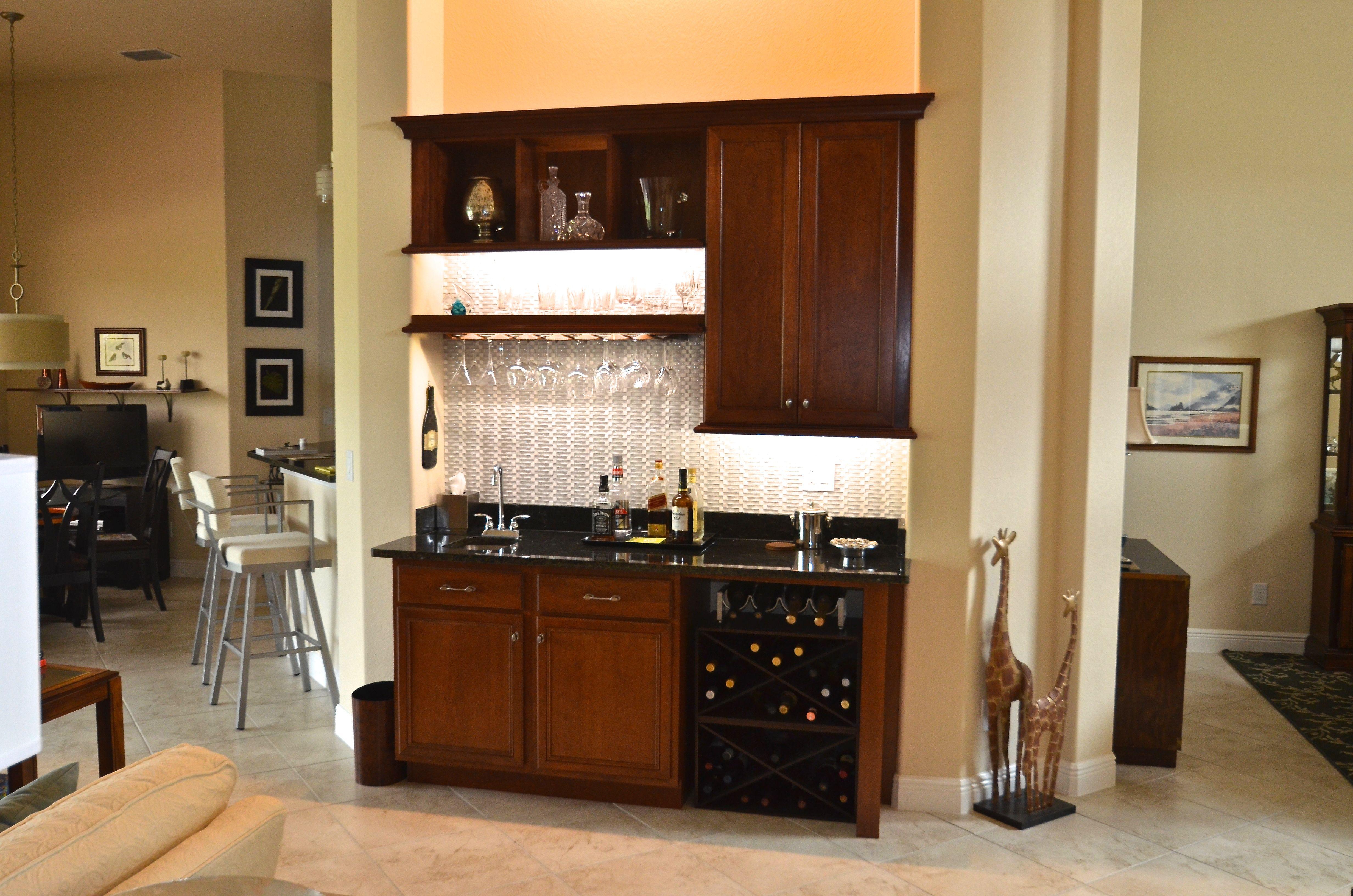 Wet Bar By Da Vinci Cabinetry In Naples Fl With Images Kitchen And Bath Remodeling Kitchen Design Cabinet Design