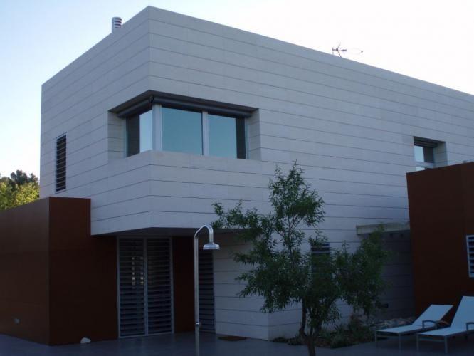 vivienda unifamiliar con fachadas ventiladas with fotos de fachadas de chalets