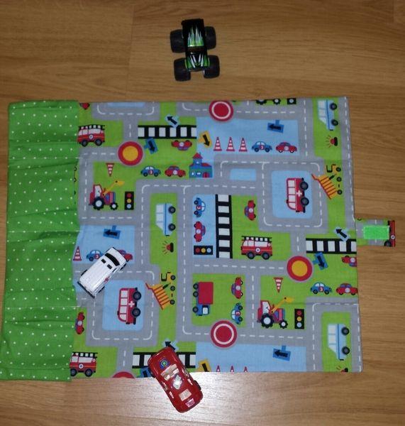 autotasche gr n gr xxl autogarage zum mitnehmen von erdbeerelfe auf auto spiele. Black Bedroom Furniture Sets. Home Design Ideas