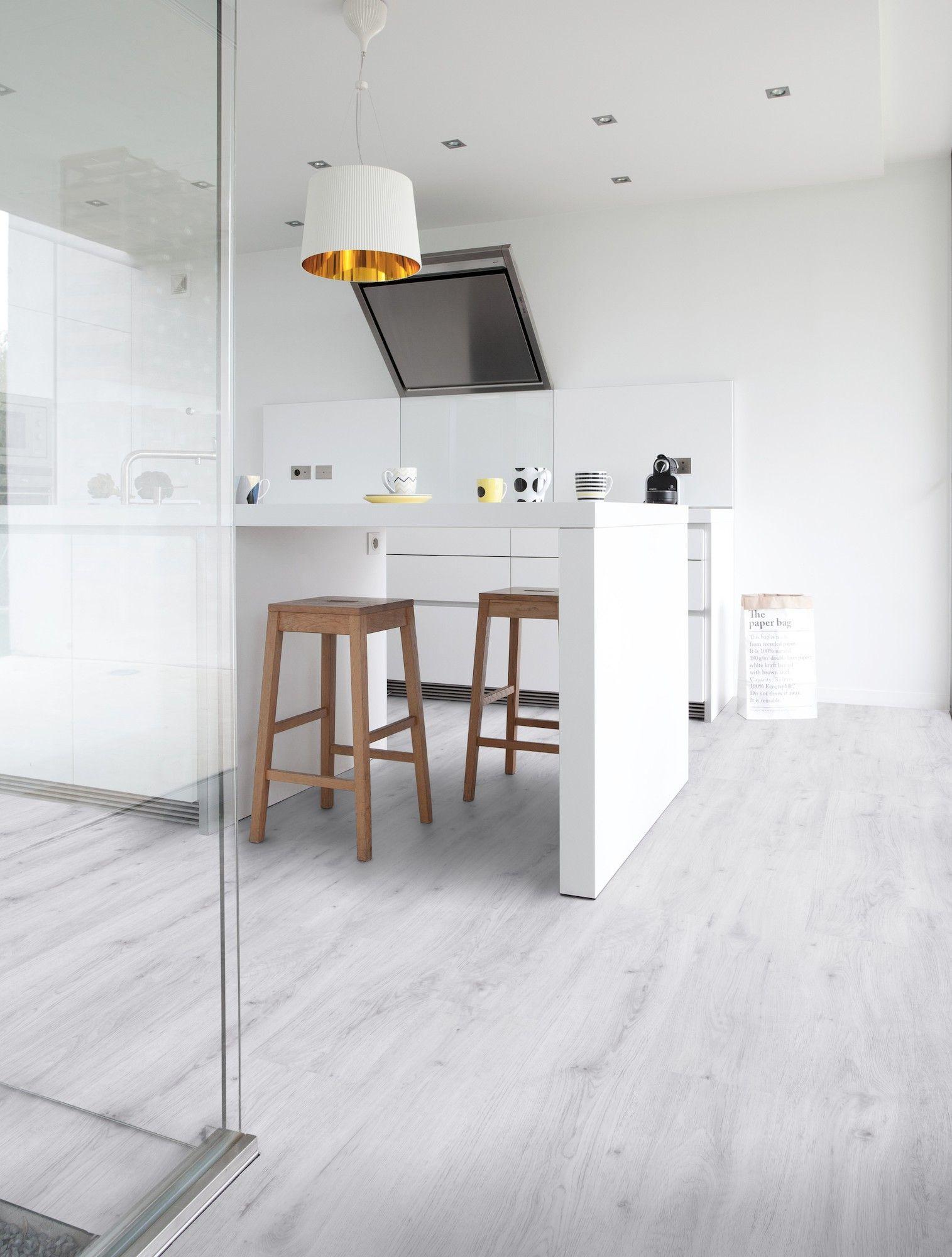 Selbstklebender Vinylboden für die Küche