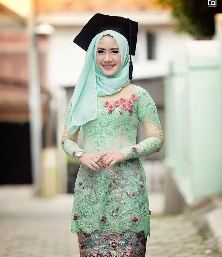 Tutorial Hijab Bahan Satin Untuk Wajah Bulat Wajah Gaya Hijab Hijab