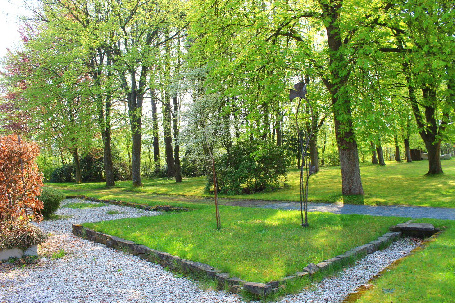 Klostergarten Der Abtei Konigsmunster In Meschede Munster Sauerland Kloster