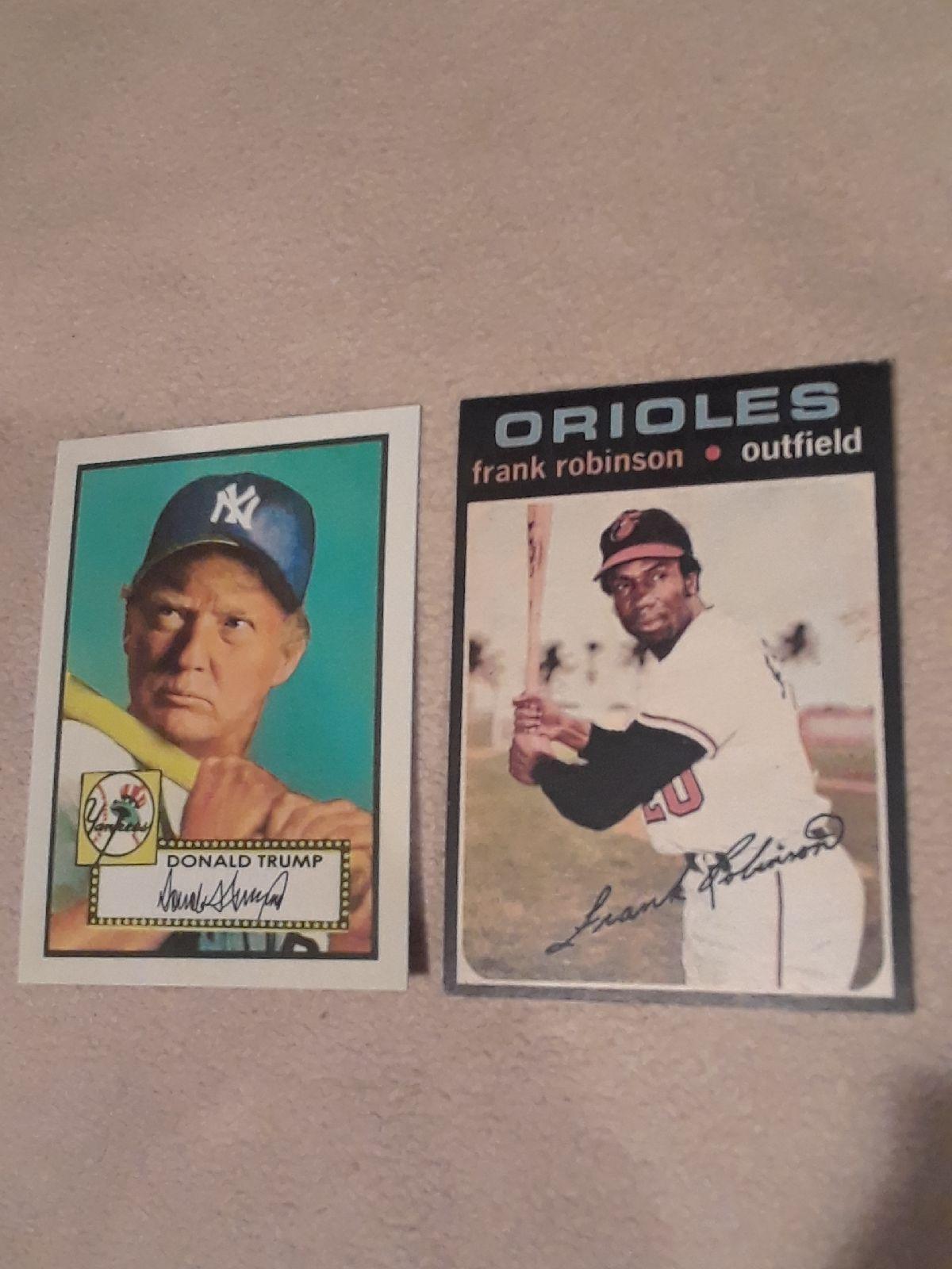 1 Aged reprint lot of 2 Frank robinson, Baseball cards