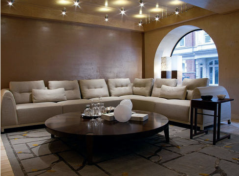 Zoom Sur Le Magasin De Meubles Giorgetti A Londres Furniture Home Decor Sectional Couch