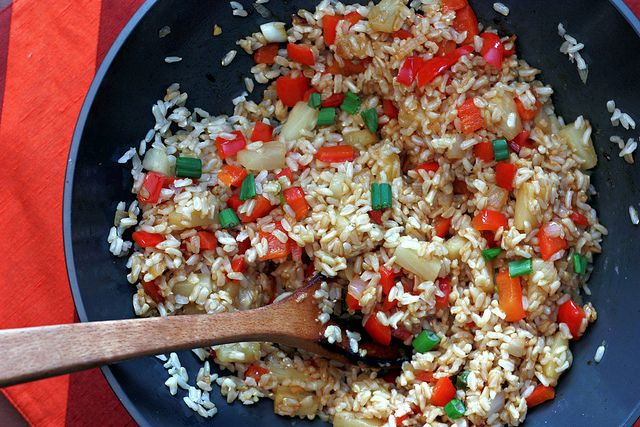 pineapple fried rice by Elly Says Opa, via Flickr