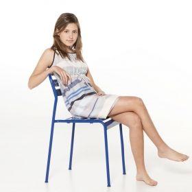 No podemos olvidarnos de nuestras adolescentes, con el vestido Eneas seguro que os ponéis de acuerdo.