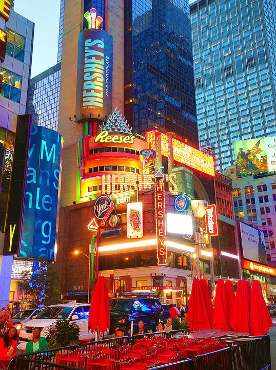 Times Square, Squares And Store