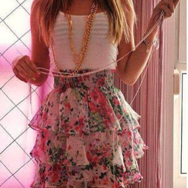It's to young for me , but I luv that skirt!