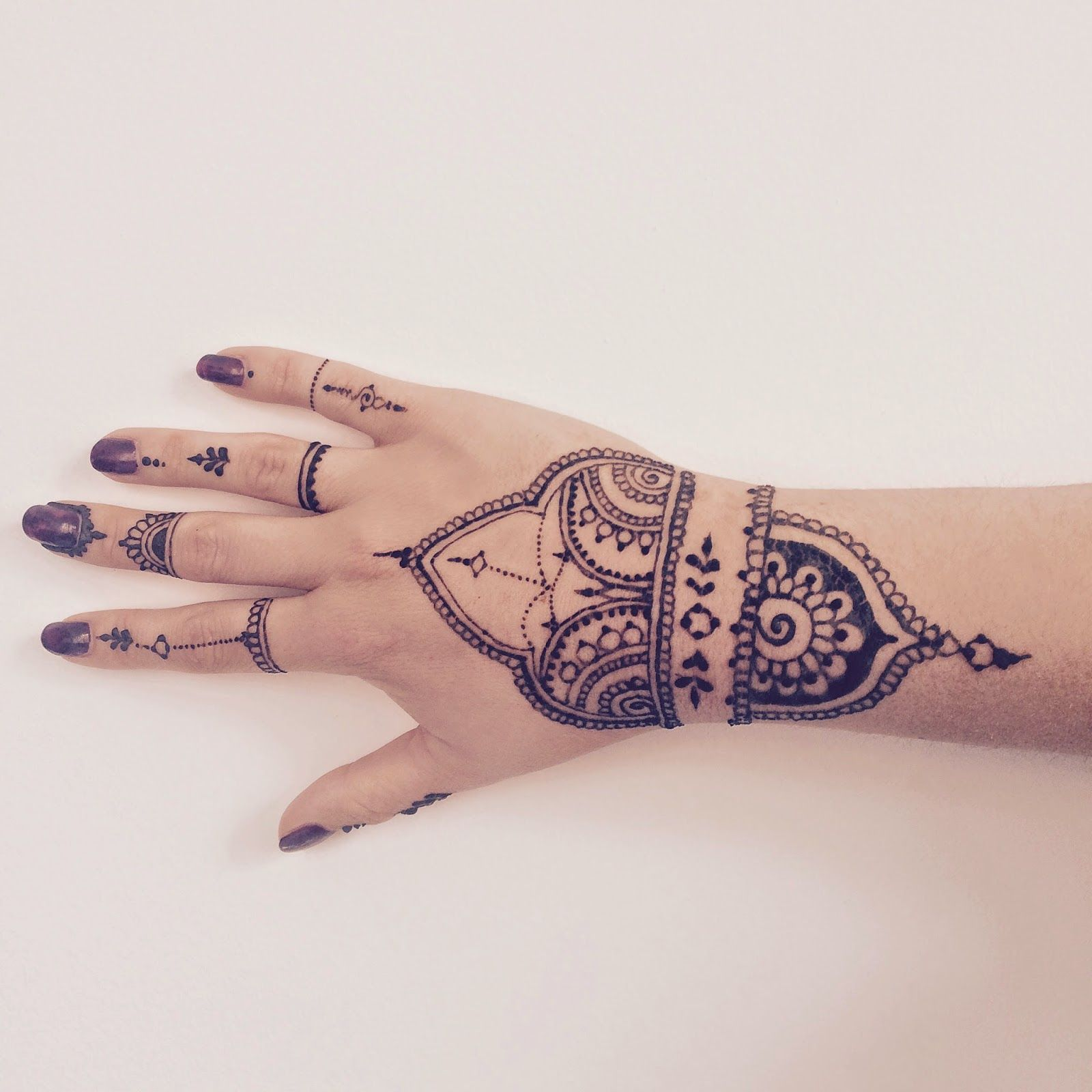 Henna #2   Tatouage au henné, Modèles tatouages au henné, Henné