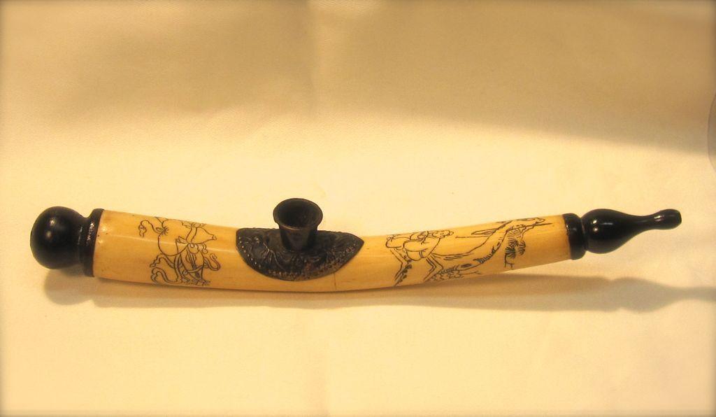 Appealing Antique Chinese Bone Opium Pipe