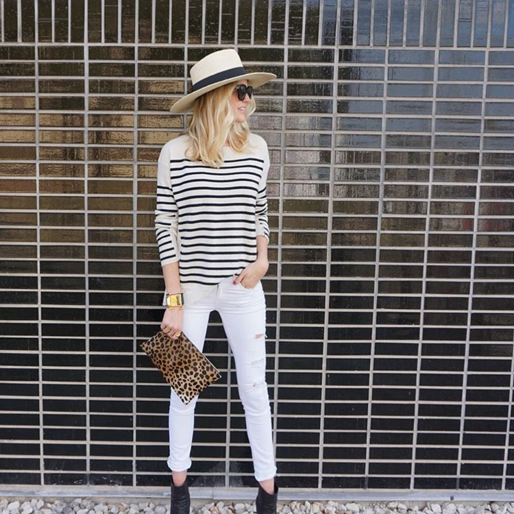 Stripe outfit inspiration See more street style images by clicking here www.hersyledview.com