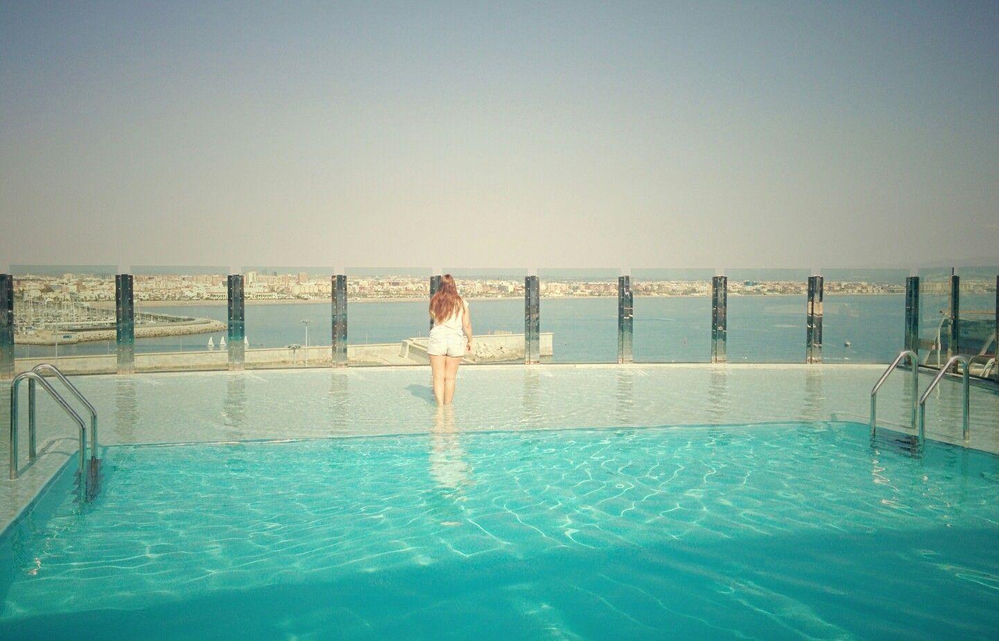 Y ya con Valencia en el horizonte. Creo que se me están acabando las vacaciones. :(