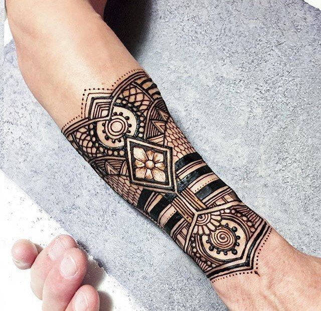 I Love This Forearm Henna Design I Would Replace The Flower Inside