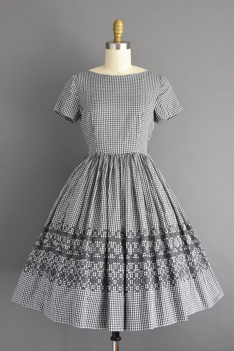 Vintage 1950s Dress Size Xs Black And White Gingham Print Image 1 Vintage 1950s Dresses Black And White Vintage Dresses Vintage Dresses 50s