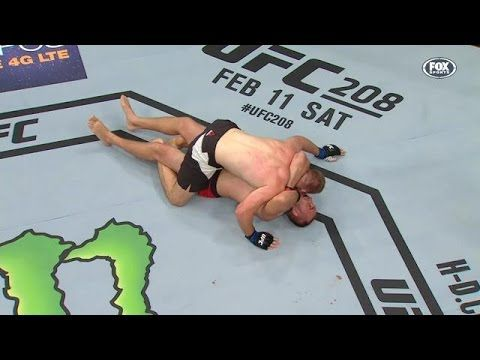 Yesterday Night Oleksiy Olinyk Pulled Off The First Ezekiel Choke In Ufc History And He Did It While His Opponent Was On To Ufc Brazilian Jiu Jitsu Jiu Jitsu