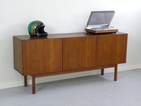 Credenza Moderna Anni 60 : Reserved s danish modern teak credenza modernist design