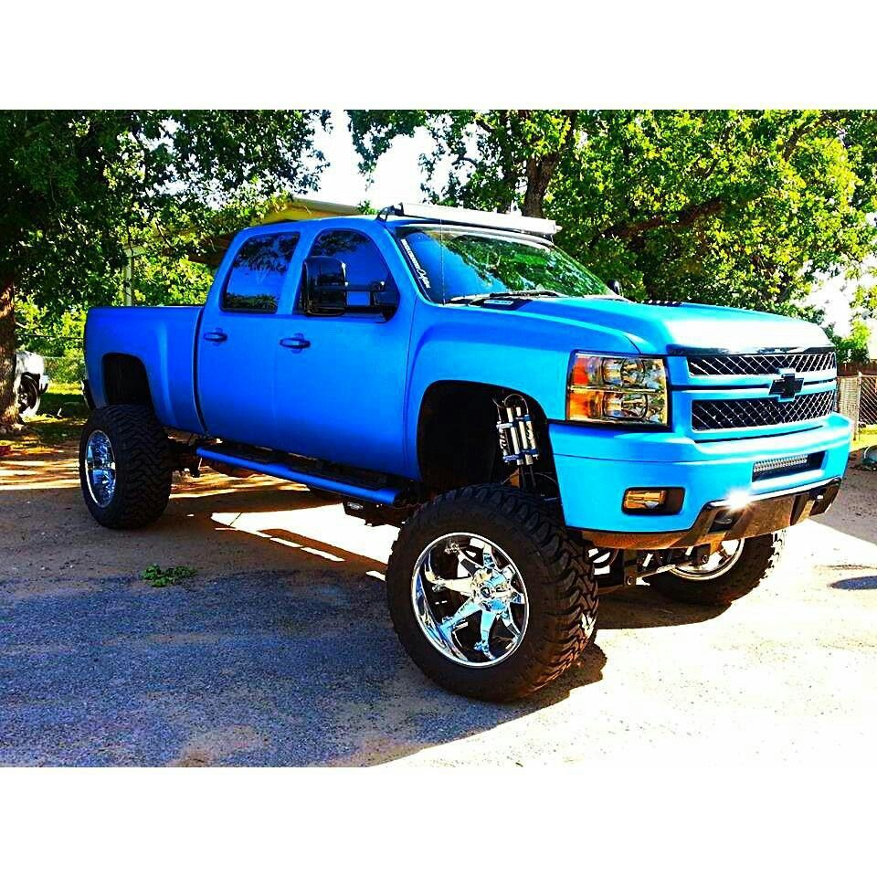 big blue trucks u003c3 chevy trucks chevy silverado 2500 trucks rh pinterest com