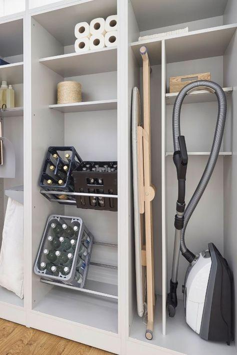 Durch den Küchenschrank in die Speisekammer: Küche und Hauswirtschaftsraum von Leicht, Schüller und Siematic - Küchenfinder
