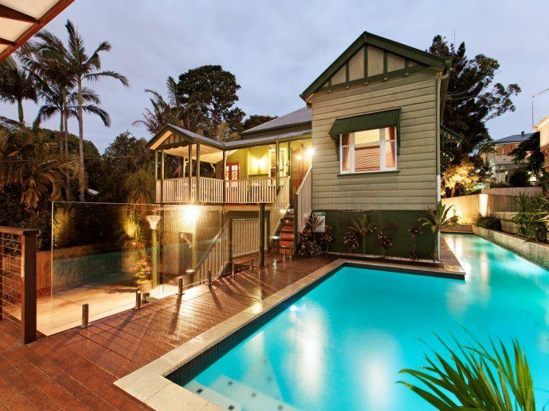 Queenslander renovation classic character home renovated for Classic queenslander house