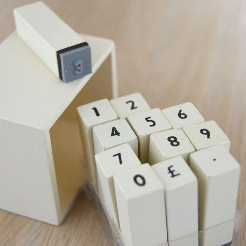 Mini sellos de números.  www.honeypoppies.com