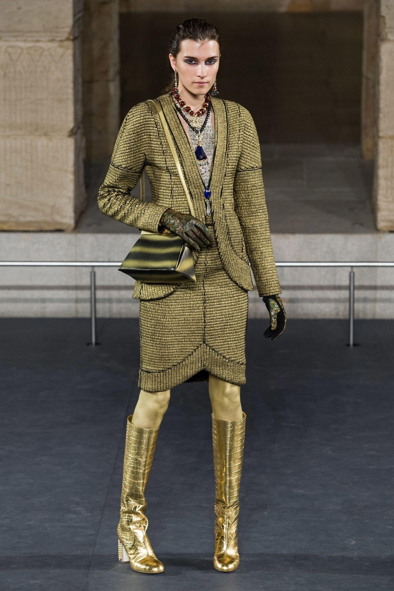 Chanel PreFall/Winter 20192020 Defile chanel, Idées