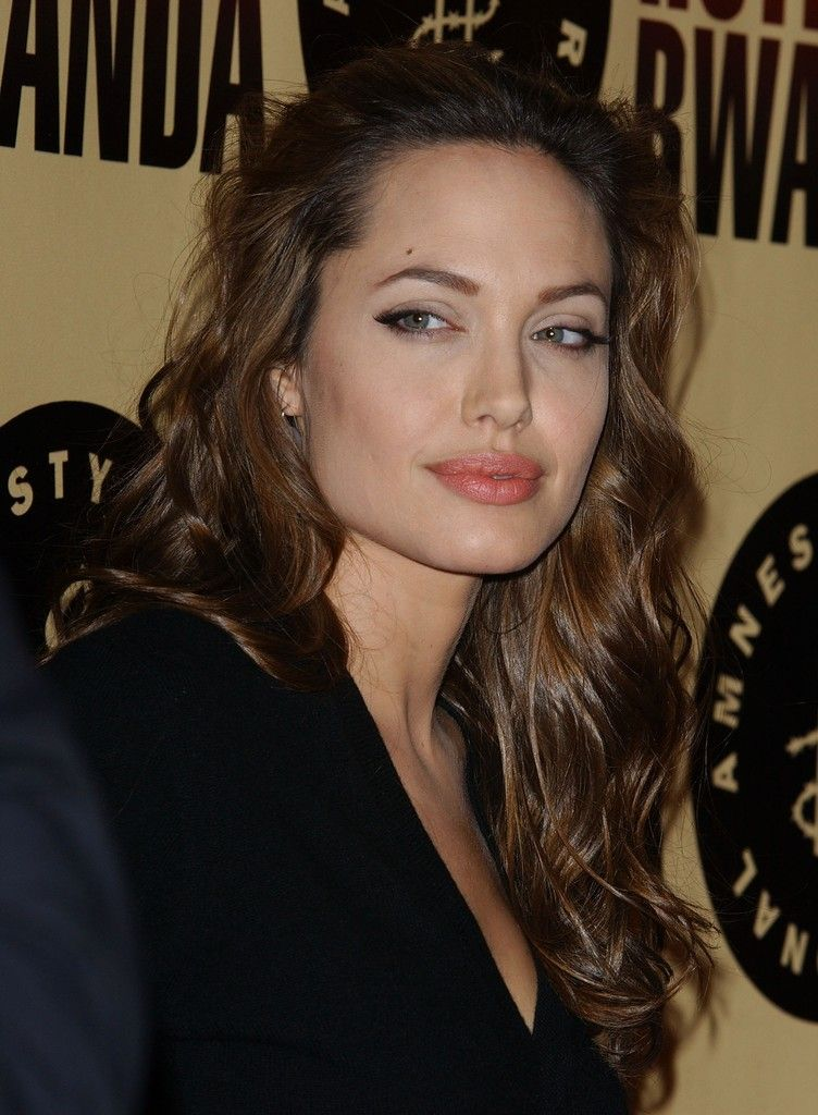 Best 25 Angelina Jolie Hairstyles Ideas On Pinterest
