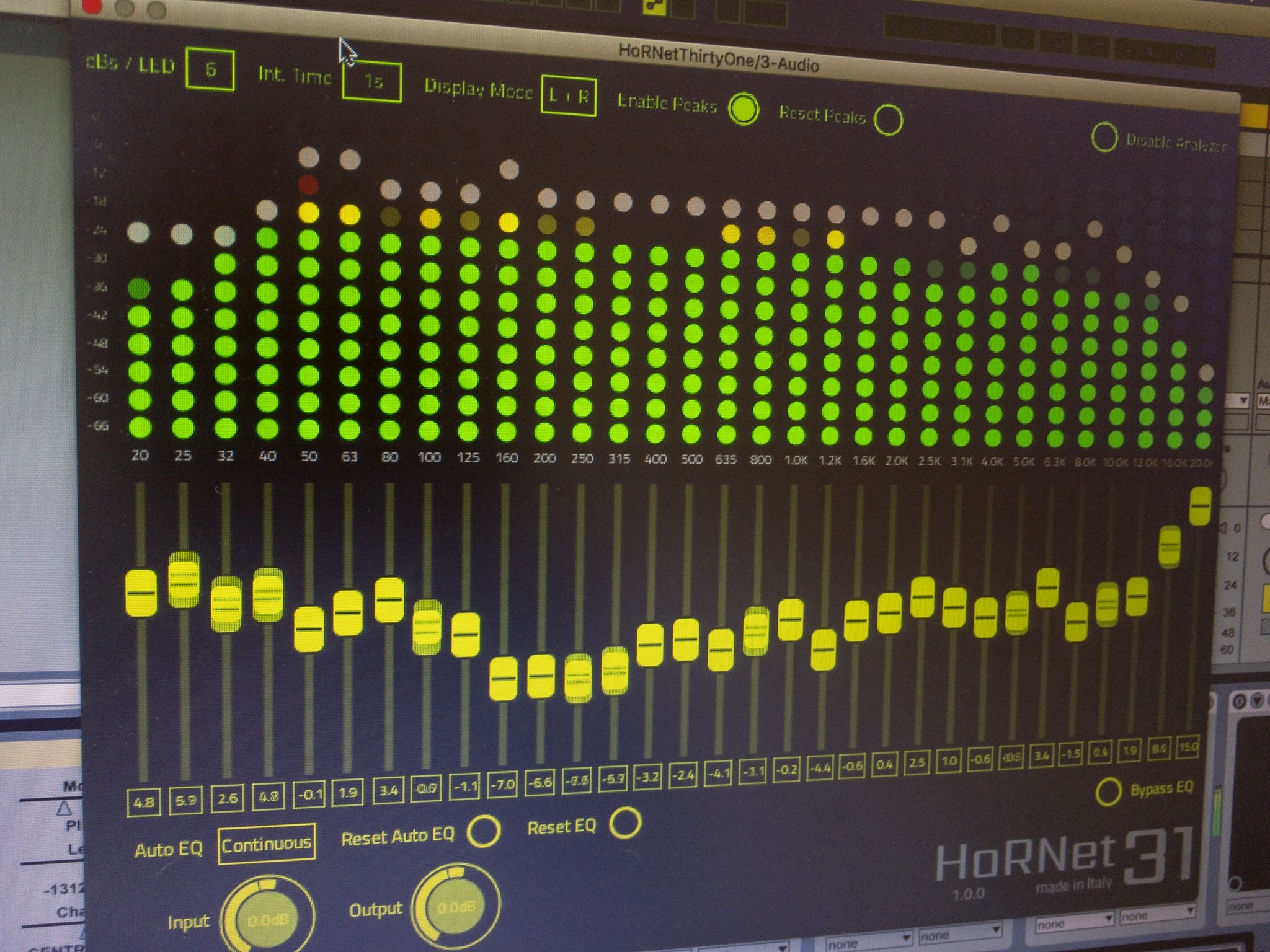 Hornet Thirtyone Spectrum Analyzer And Auto Eq Spectrum